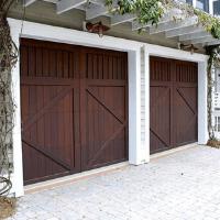 residential garage doors iamge
